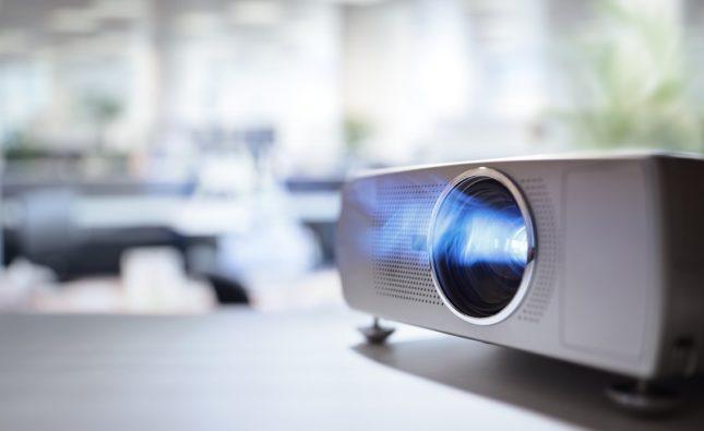 Dobra jakość dobry wybór – projektor multimedialny