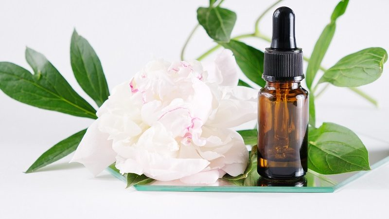 Naturalne olejki eteryczne. Jak je stosować?